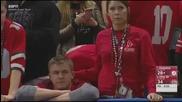 Жена хваната в изневяра на футболен мач