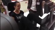 По време на тренировка за крака нещо ужасно се случва