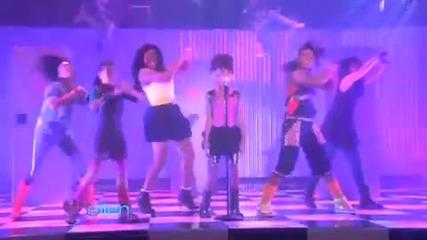 Сладураната Willow пее Whip my hair в шоуто на Ellen