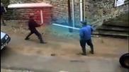 Старецът и лазерния меч - битката на титаните