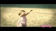 Деси Добрева - Лудо Младо (dance Remix) Official Video 2009
