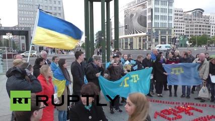 Протест и контрапротест за Донбас в Берлин