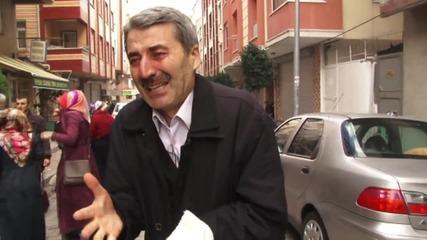 Turkey: Police fire tear gas on peaceful protesters outside Zaman HQ