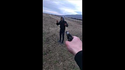 Прострелват момче