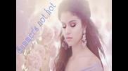 Супер свежа за лятото! Selena Gomez- Summer's not hot