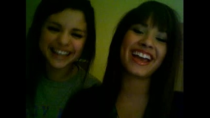 Demi Lovato And Selena Gomez Vbox7