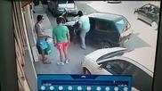 Този мъж няма проблеми с колата си ,когато е затапен от други !