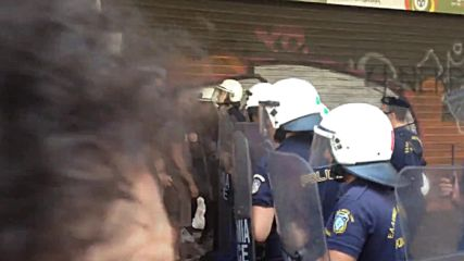 Greece: Scuffles breakout between police and 'Bio Me workers in Athens