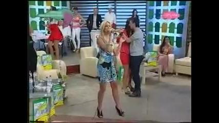 Milica Todorovic - Kao so u moru - (LIVE) - Nedeljno popodne - (TV Pink 2009)