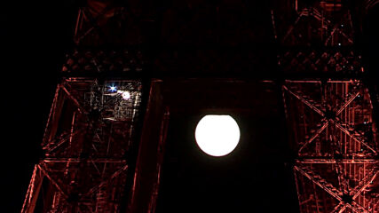 France: 'Sturgeon Moon' brightens Paris night sky
