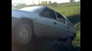 Бусманчанин си качва колата на скока за мотори :d