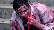 Страшна шега .. Зомби напада хората