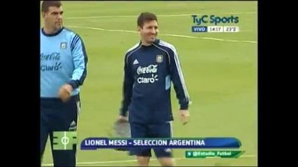 Меси дава пресконференция в Аржентина