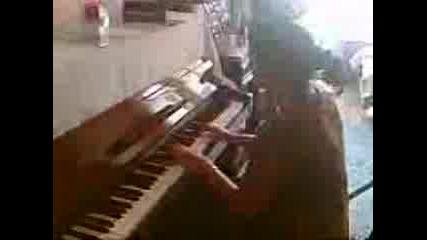 Много Добра Пианистка!