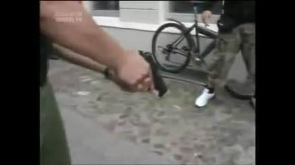 police vs skineads,nazi,fight