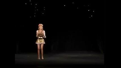 още един Ужас!! Мис България Антония Петрова с безумен танц в представянето си на Мис Свят