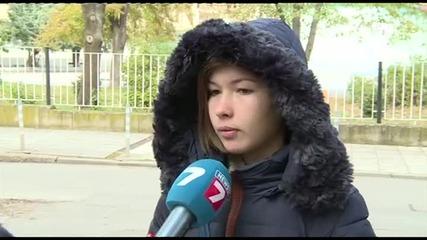 Женски бой в училище заради момче