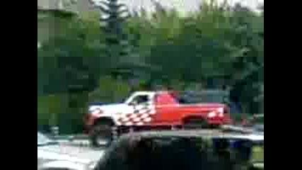Най Огромния Джип Който Съм Виждал !!!!