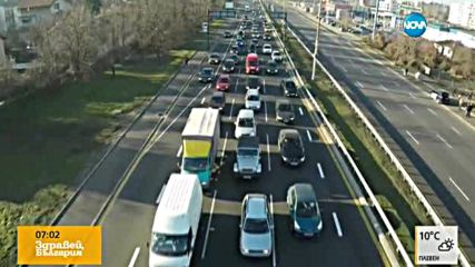 Засилен трафик ден преди празниците