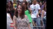 Флашмоб танц в чест на Майкъл Джексън на Buskers Play Out