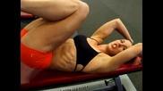 Страхотна Мацка Показва Как Да Правите Упражнения За Корем