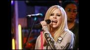 Avril Lavigne преди или сега?Как ви допада повече???