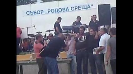 Събора 2010 - Свободни борби (4) , надпиване с бира