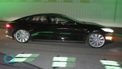 Tesla Model S Software Update Makes Driving Out of Range Harder Than Ever