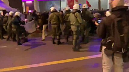 Greece: Police respond with batons to Athens protesters demonstrating against police shooting
