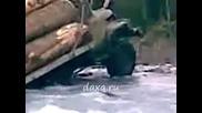 Руска техника в действие ( цялото клипче на разкъсаните материали качени под името урал)