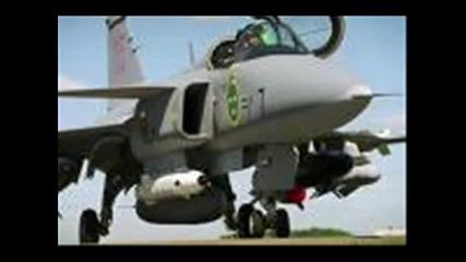 Воени Самолети