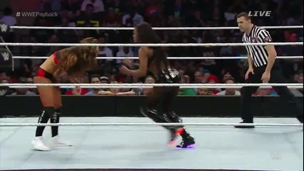 Wwe Payback 2015 - The Bella Twins срещу Naomi & Tamina