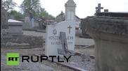 Франция: Вандали оскверняват 40 християнски гроба