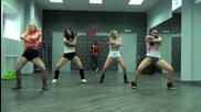 Четири секси мацки танцуват яко