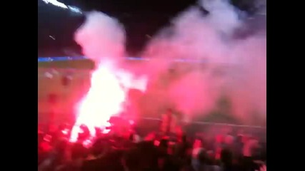 Arsenal Army [факлата на мача с Челси]