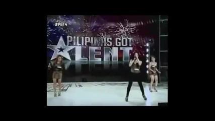 3 жени пеят като мъже в Philippines got talent 2013