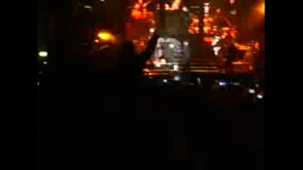 Rihanna - Pon De Replay [на Виво от Батемберг - София - 30.11.2007]