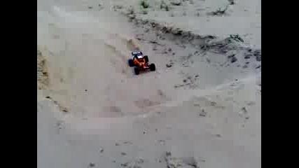 Baja 5b im Sand