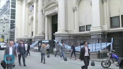 Frozen in Debt, Argentina Criticizes US Investors