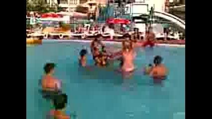Ахтополци В Аквапарка В Приморско.3gp