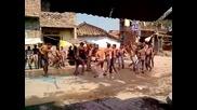 джип блъска индийци по време на празник Дивали
