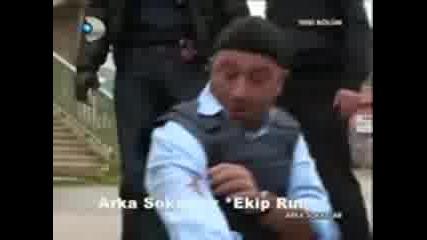 arka_sokaklar_mesut_un_husnu_ye_ Smyah:d