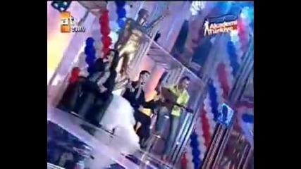 Sertab Erener feat. Baris Akarsu & Tolga - Aslolan Asktir