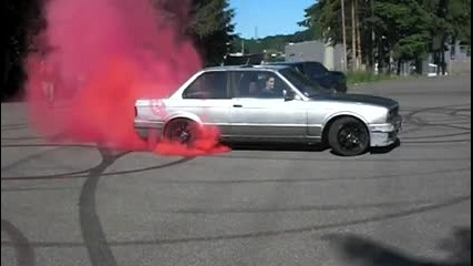 Mtec 2 Burnout - Red Smoke E30 325