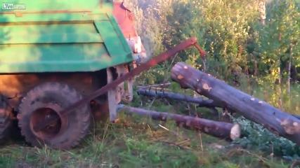 Смях ... Товарене на камион с дърва .. руски стил !!!