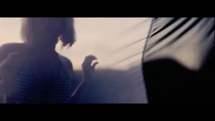 +превод! Shakira - Addicted To You ( Официално видео )