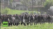 Сблъсъци на фенове на Партизан Белград с полицията преди мача им с Цървена Звезда