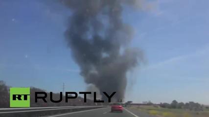 Испания: Най малко трима загинали при катастрофа с военен самолет край Севиля