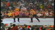 Goldberg пребива Triple H