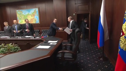 Russia: Putin meets Security Council to discuss Syria airstrikes progress